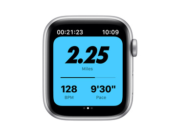 Apple Watch Nike Series 6 GPS + Cellular 44mm Aluminiumboett i Silver med Pure Platinum/Black Nike Sportband - Regular
